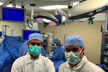 Foto do estágio no Miami Surgical Center em 2016 – Miami, Florida – Sala de cirurgia, reconstrução de LCA em andamento