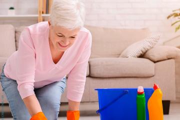 Você sabe como proteger seus joelhos durante trabalhos domésticos?